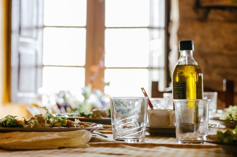 How many calories are there in extra virgin olive oil?